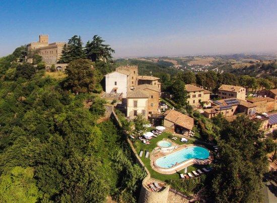 foto Antico Borgo di Tabiano Castello